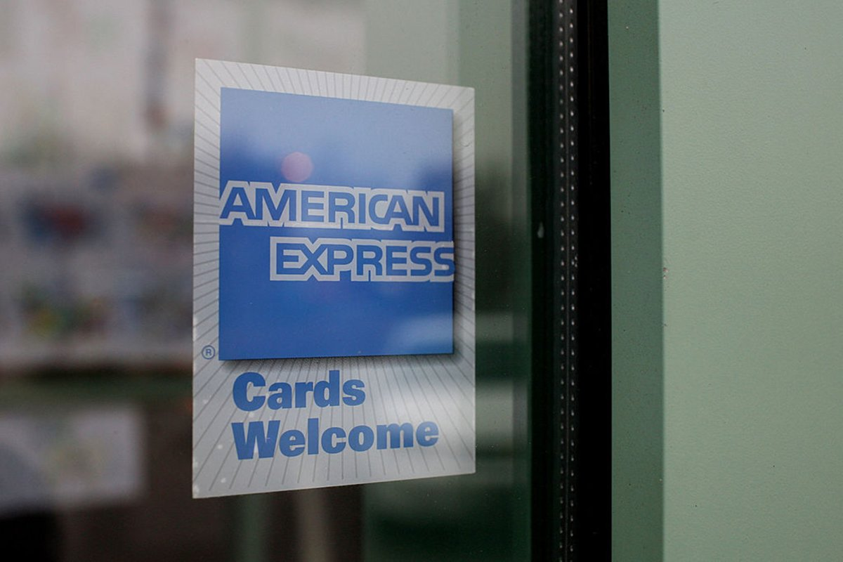 American Express kicks off 2021 with new offers for US consumers and merchants